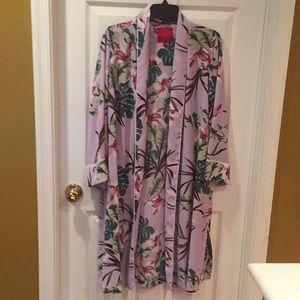 🌴NWOT Jennifer Lopez floral long jacket/robe